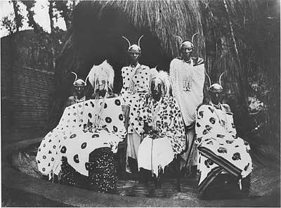 king musinga and the royal family, rwanda || slide show