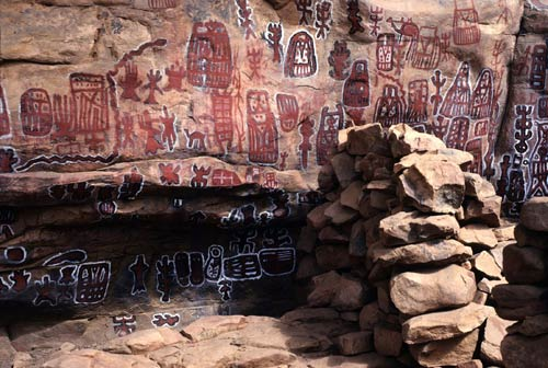 http://africa.si.edu/exhibits/inscribing/images/eduimages/5.-Dogon-rock-paintingsLG.jpg