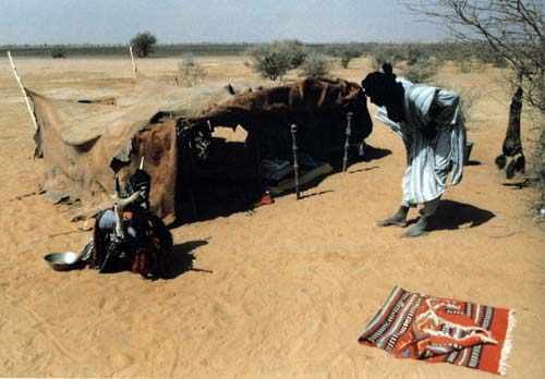 Tent & The Sahara | Art of Being Tuareg: Sahara Nomads in a Modern World