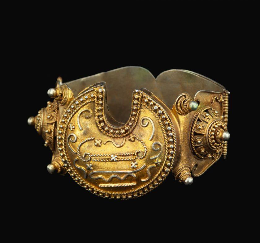Bracelet (galbe or lam u teg)