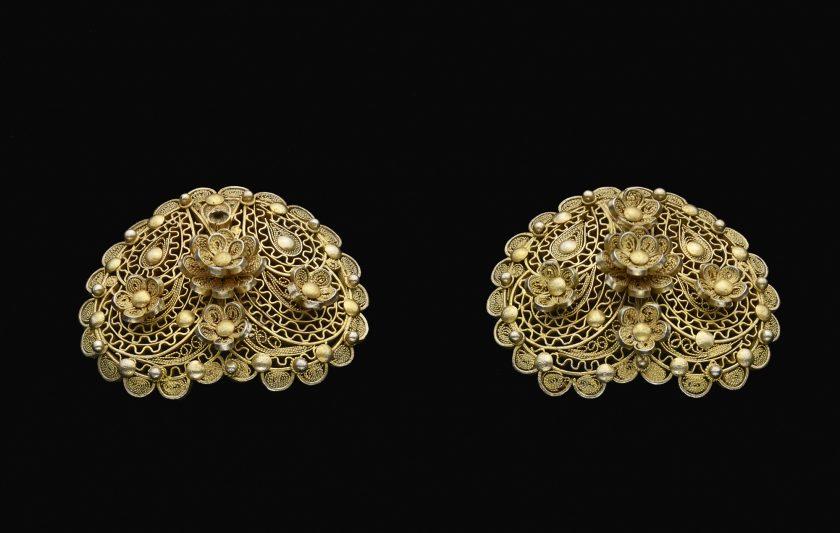 Earrings (Pauline Diack)