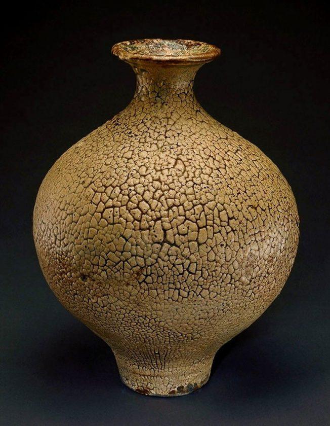 Porcelainous stoneware